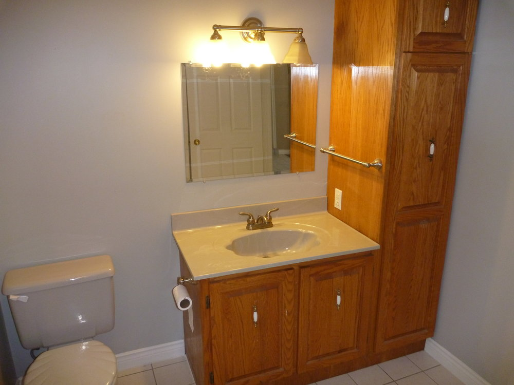 15. Bathroom 3.JPG