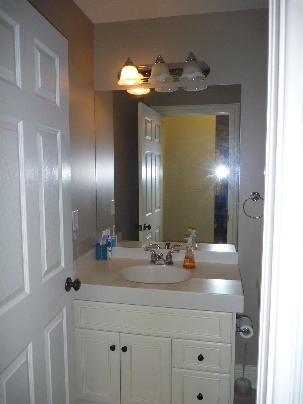 18. Bathroom 1.JPG