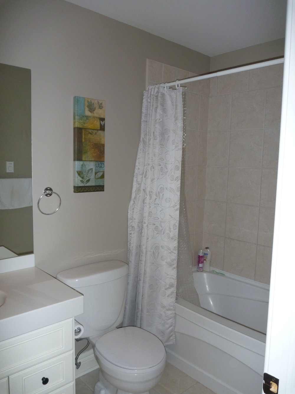 19. Bathroom 2.JPG