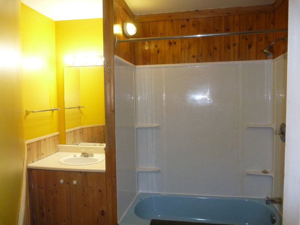 13. Bathroom 1.JPG