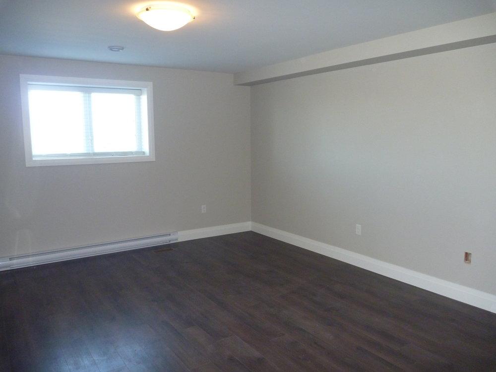 3. Living Room 1.JPG