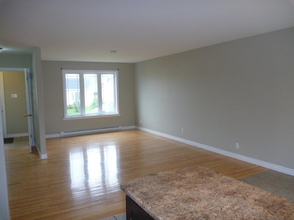 4. Living Room 2.JPG
