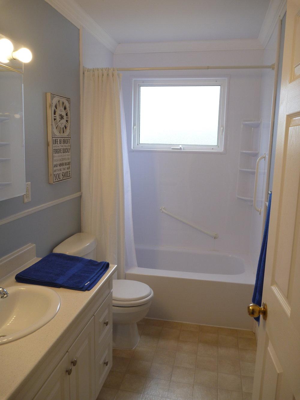 13. Bathroom.JPG