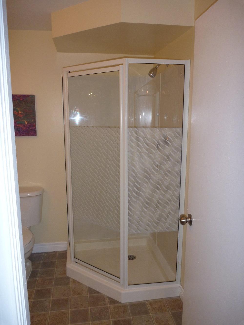 24. DownStairs Bathroom 2.JPG