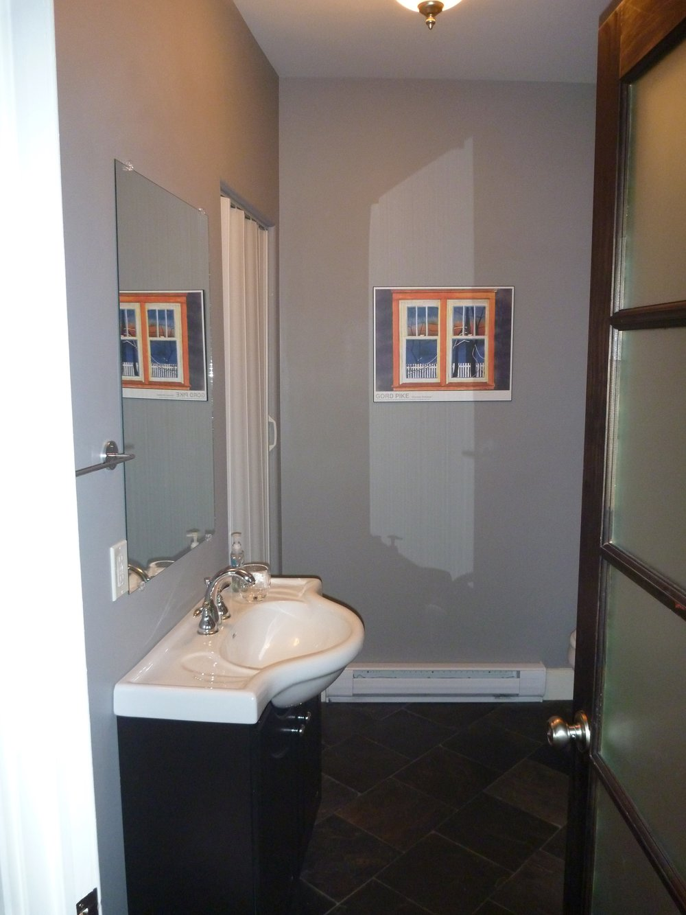 17. Bathroom 1.jpg