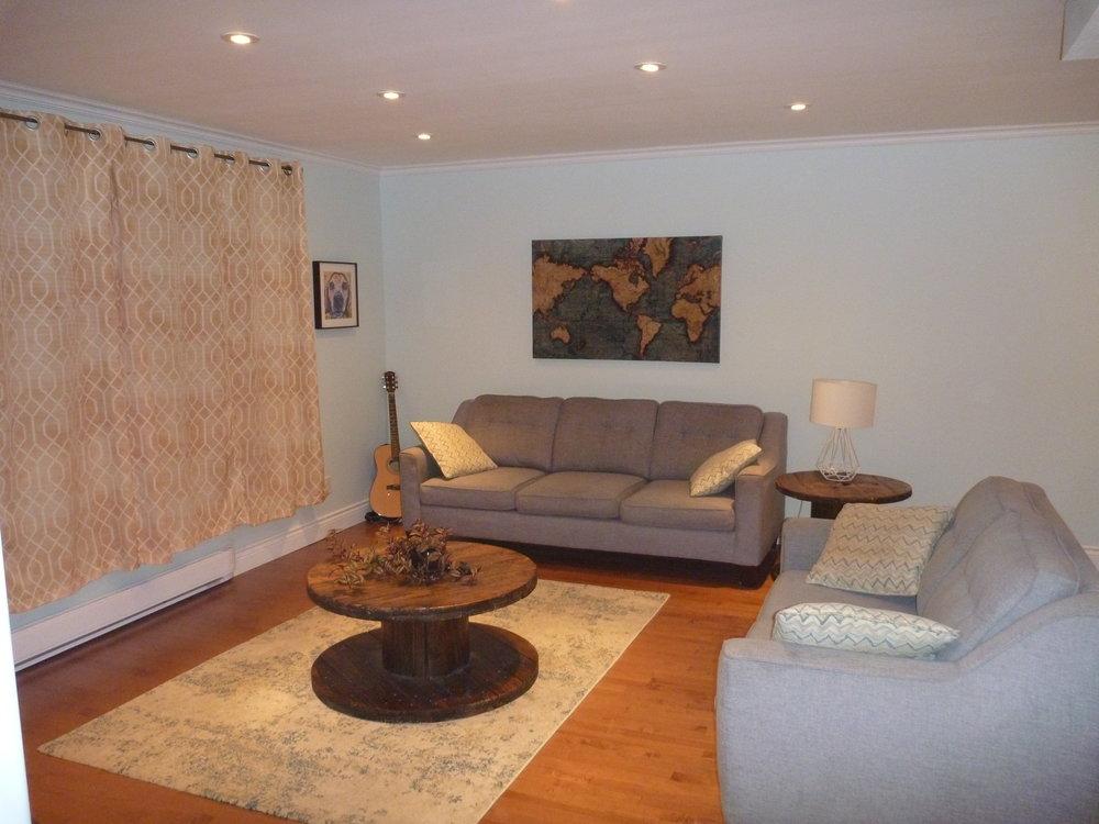6. Living Room 1.jpg