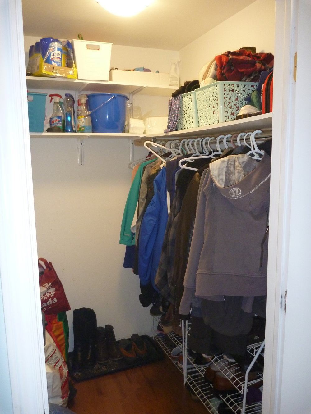 21. Closet.jpg