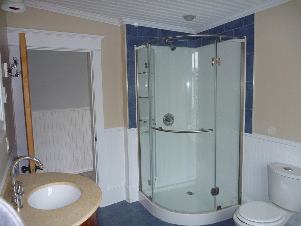 22. Bathroom 2.jpg