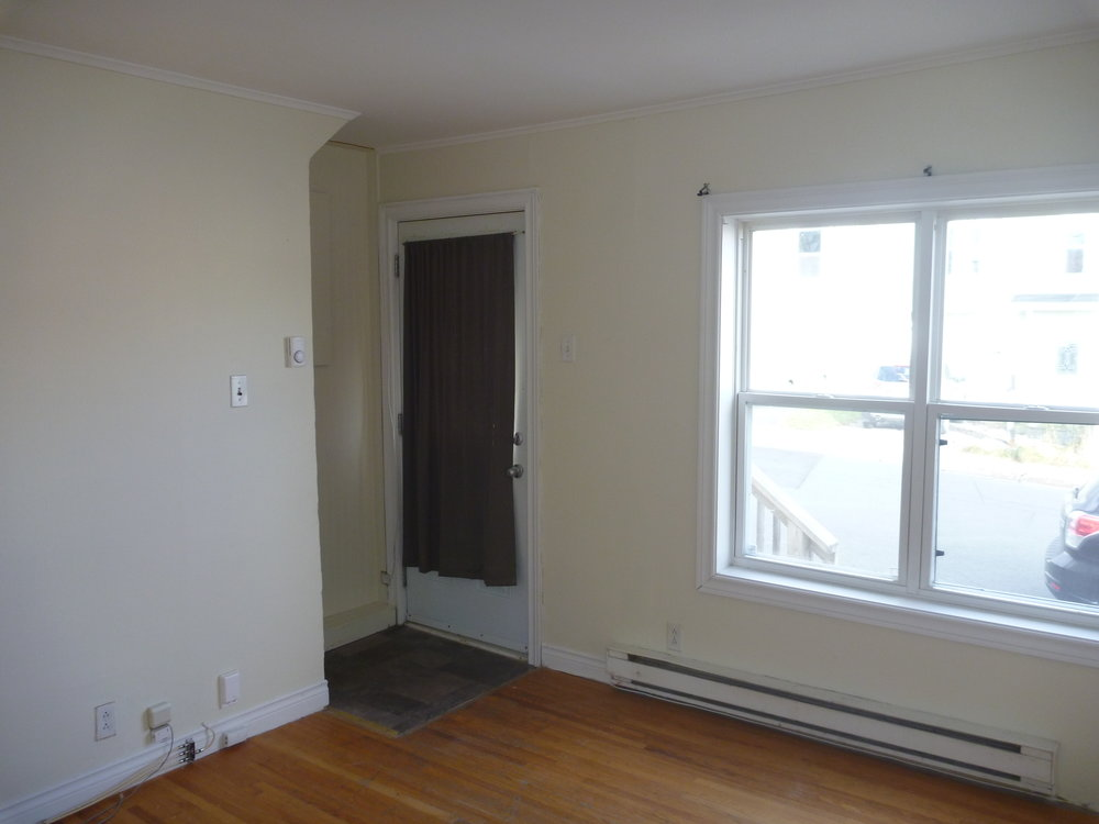 3. Living Room 2.jpg
