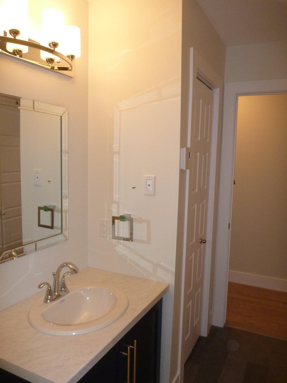 15. Bathroom 2.jpg