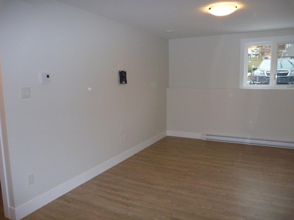 5. Living Room 1.jpg