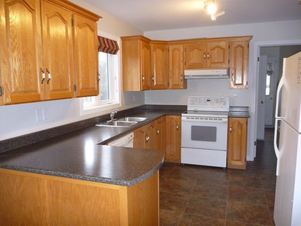 1. Kitchen 1.jpg