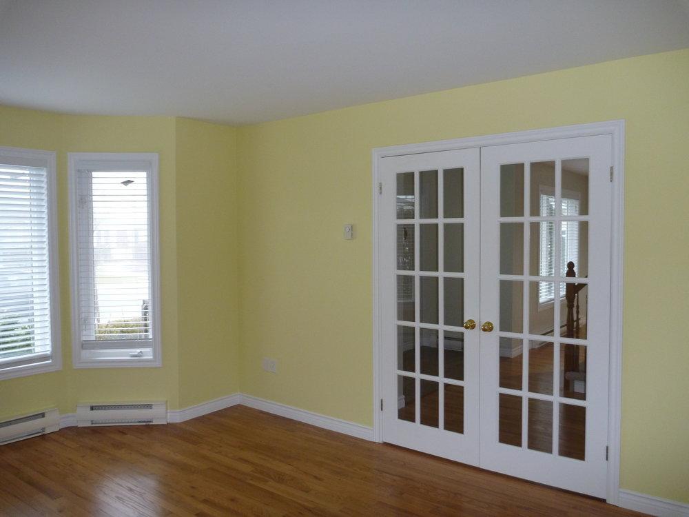 14. Living Room 1.jpg