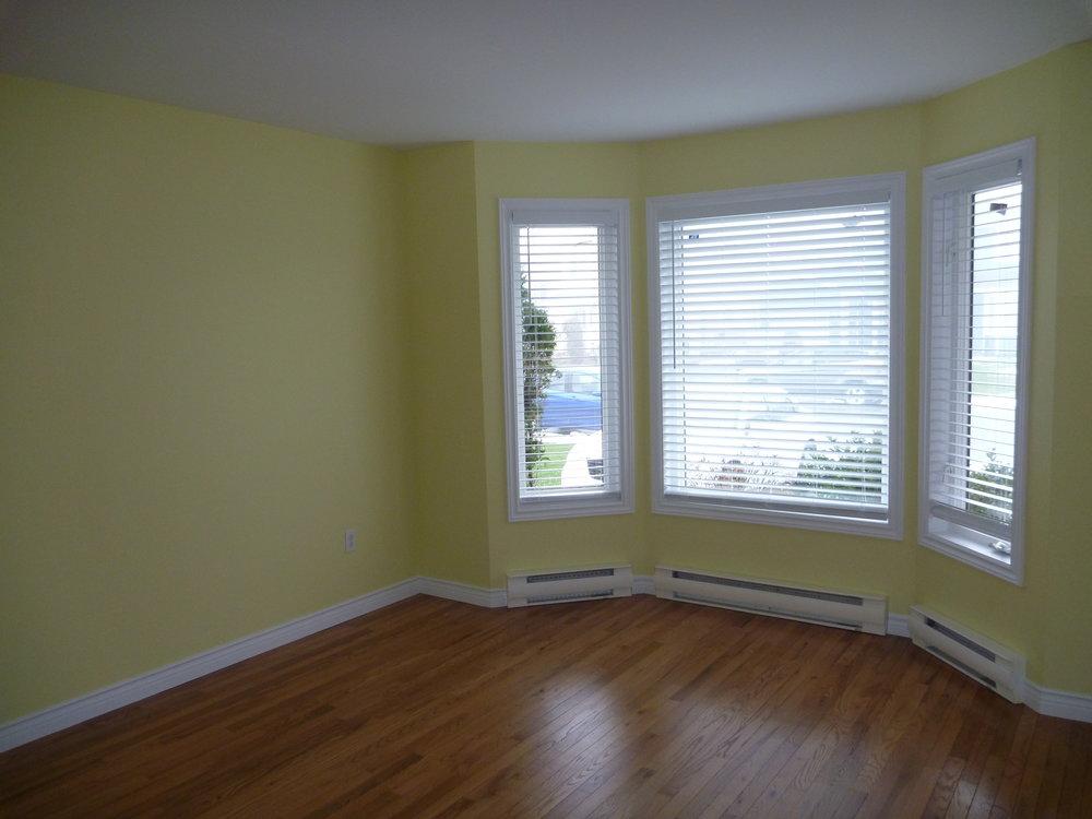 15. Living Room 2.jpg