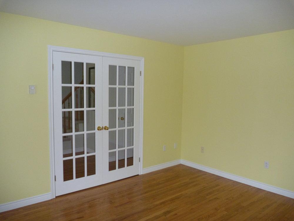 16. Living Room 3.jpg