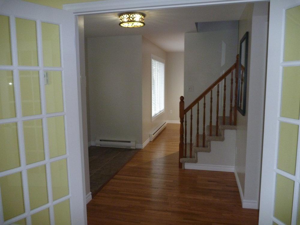 17. Living Room 4.jpg