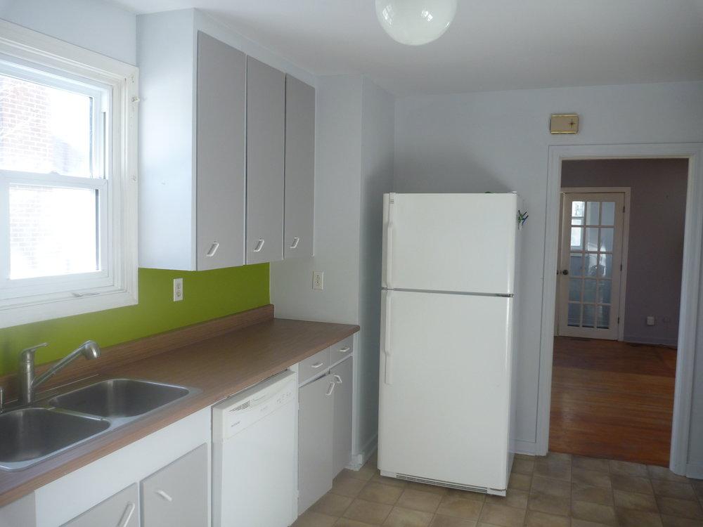 7. Kitchen 2.jpg
