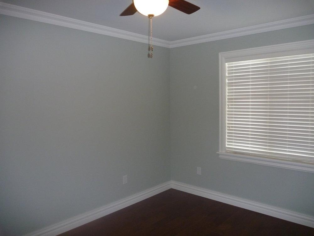 26. Spare Bedroom 1.jpg