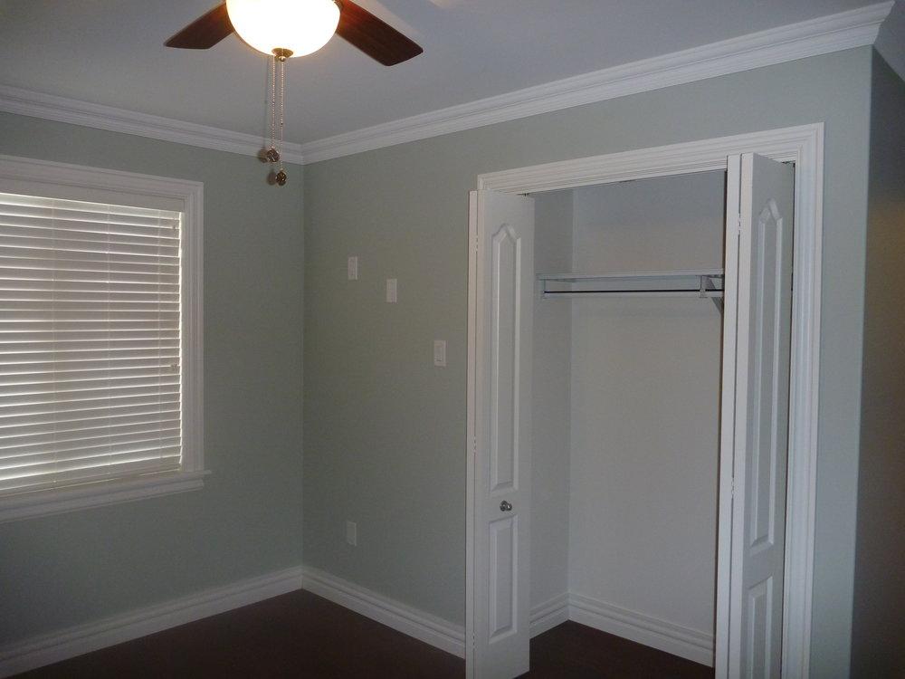 27. Spare Bedroom 2.jpg