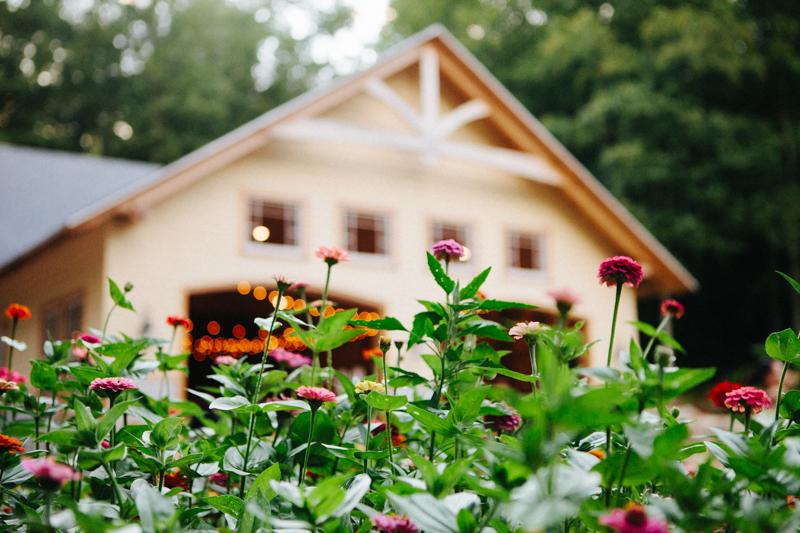 backyard-wedding-photos-connecticut 55
