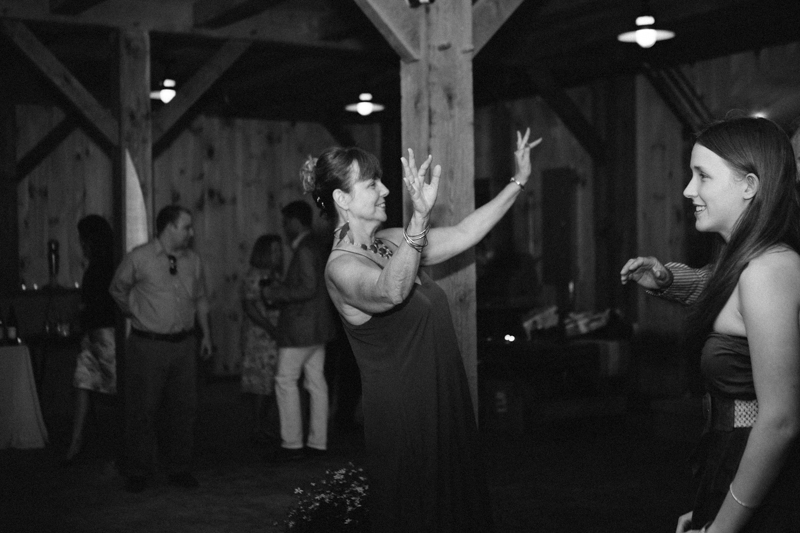 backyard-wedding-photos-connecticut 70
