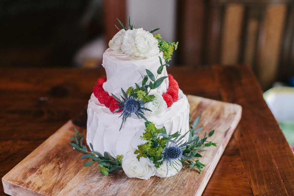wegman's vanilla wedding cak