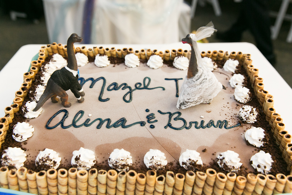wedding cake dinosaurs