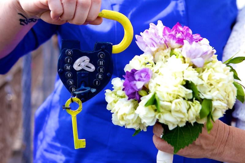 lock on the brooklyn bridge wedding photo