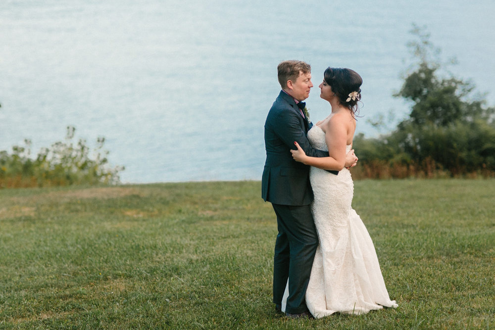 shakespeare on the hudson wedding portraits