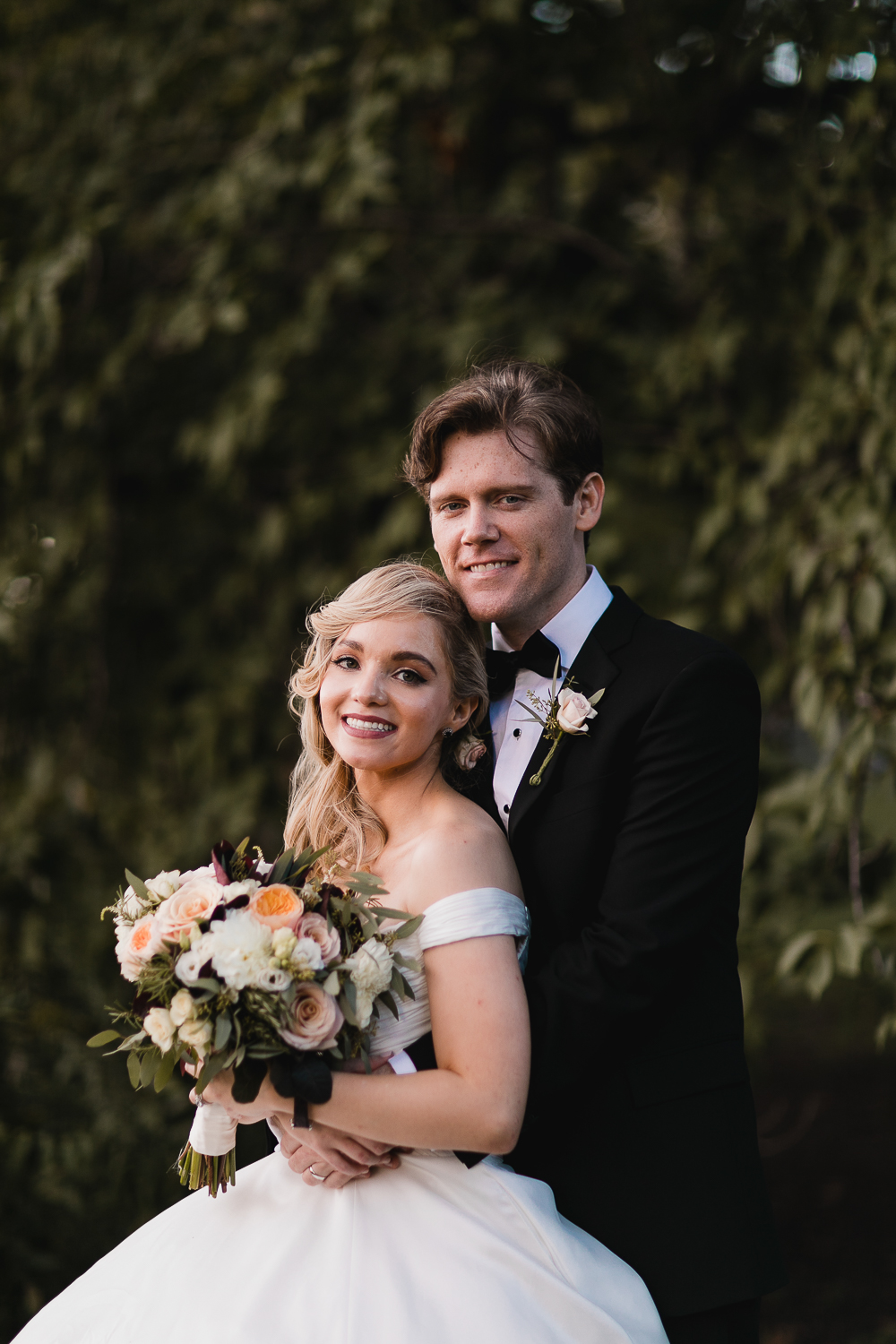A classic wedding portrait in Central Park.