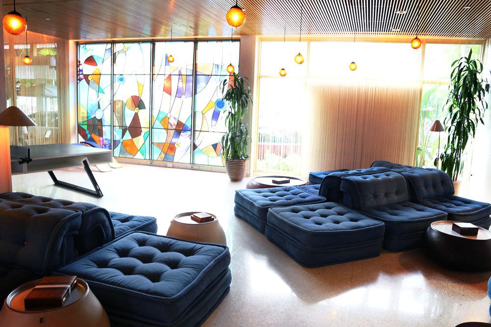 standard-lobby2.jpg