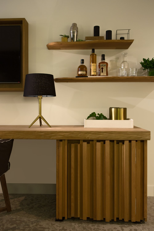 La Peer Desk 2.jpg