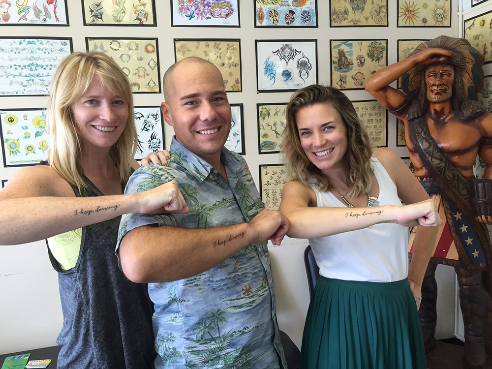 "Ed with Julia's sisters and new ""framily"", showing off their tats"