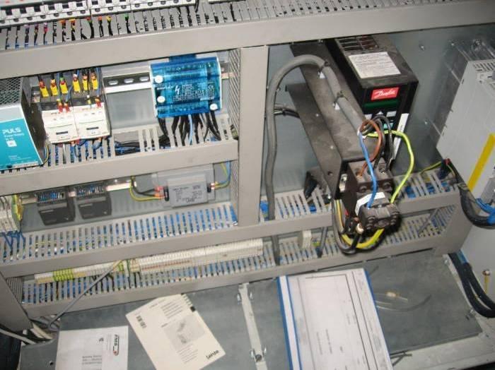 OMEGA 330 CONVERTER 2010 16.jpg