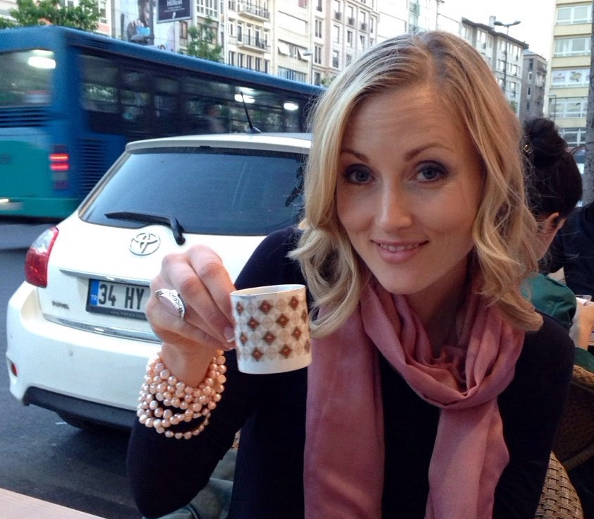 Dr Hillary in Istanbul, Turkey taking a break from working with patients to enjoy a Turkish coffee!