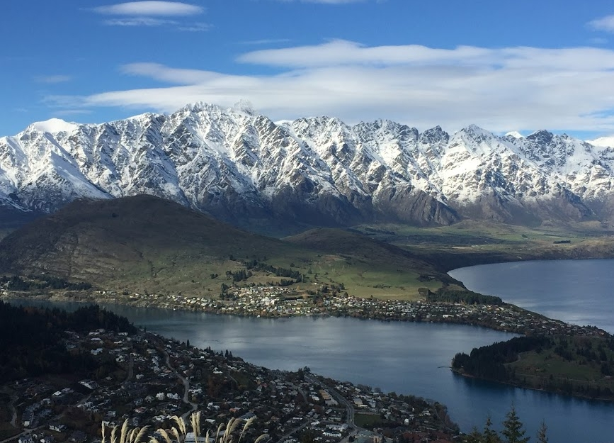 Look how pretty Queenstown, New Zealand is!