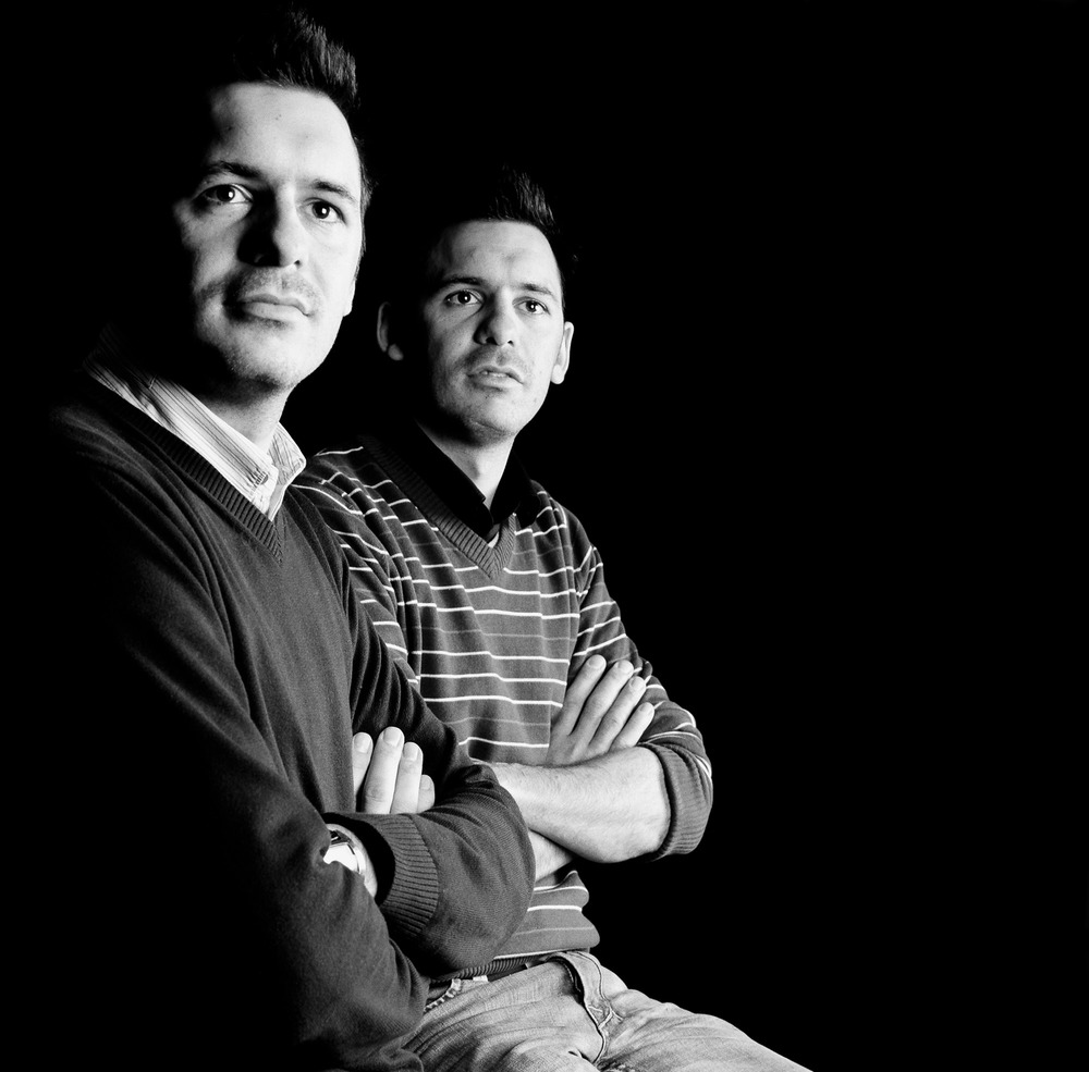 Les jumeaux Antoine et Matthieu Ghilès, patrons du bar strasbourgeois « Le Café des Anges »