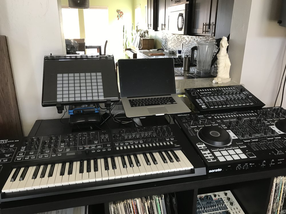 Trying it out with Push 2, Maschine, and any other gear I own. Looking for the perfect setup.
