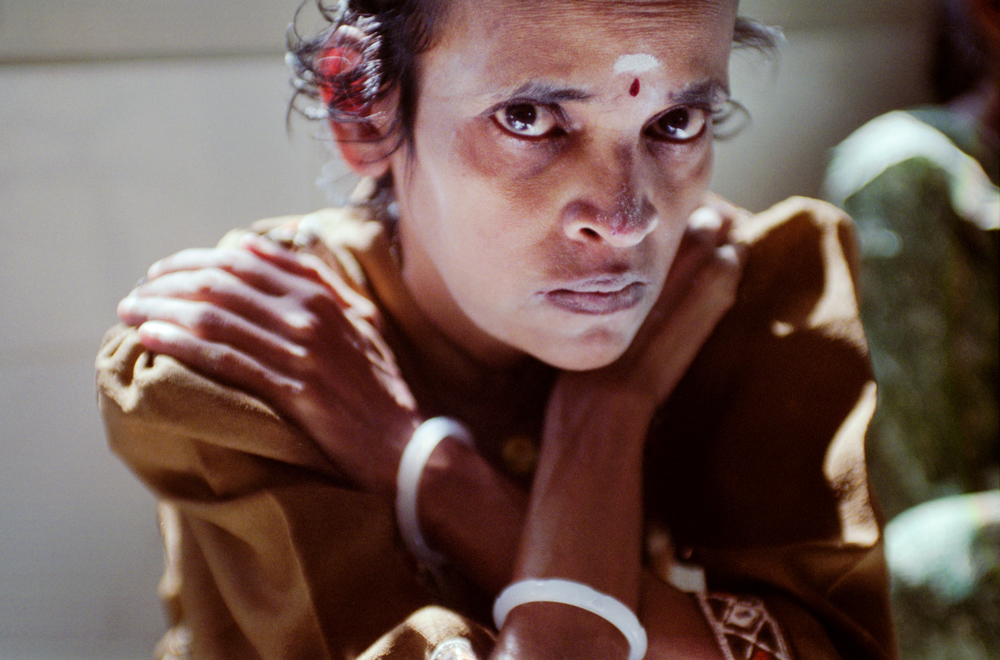 Helping Hands, a social service organization in India, takes in people who have been rejected by society. This includes the mentally and physically ill, the elderly, orphans, and HIV/AIDS patients. Gowri is both mentally ill and HIV positive, believed to be due to rape.