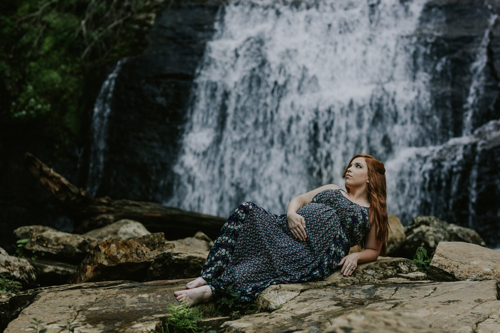 Georgia-Waterfall-Outdoor-Maternity-Lifestyle-Photographer-8.jpg