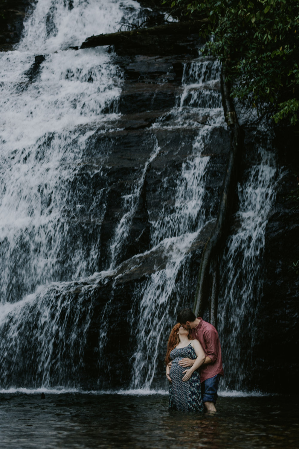 Georgia-Waterfall-Outdoor-Maternity-Lifestyle-Photographer-9.jpg