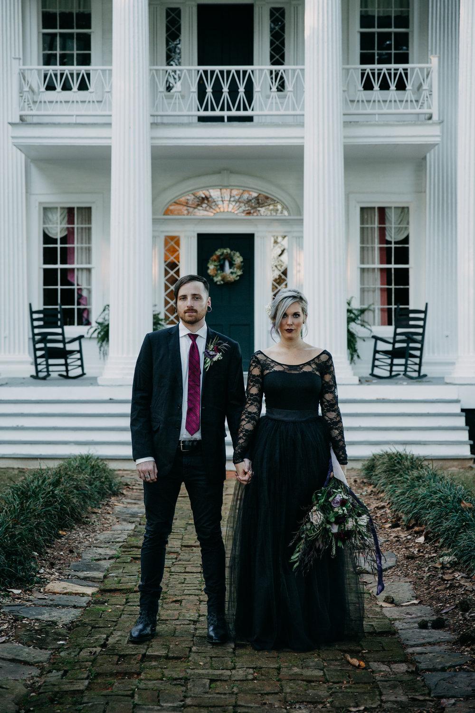 Georgia-Couples-Haunted-Halloween-Wedding-17.jpg