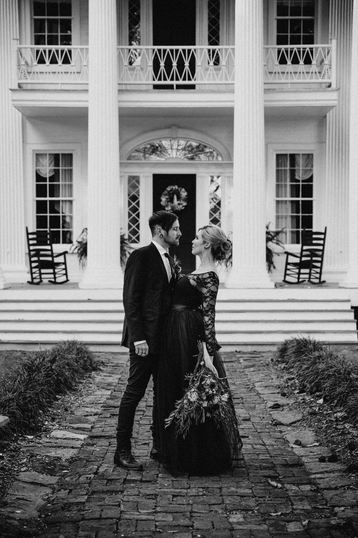 Georgia-Couples-Haunted-Halloween-Wedding-18.jpg