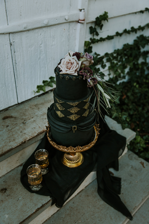 Georgia-Couples-Haunted-Halloween-Wedding-5.jpg