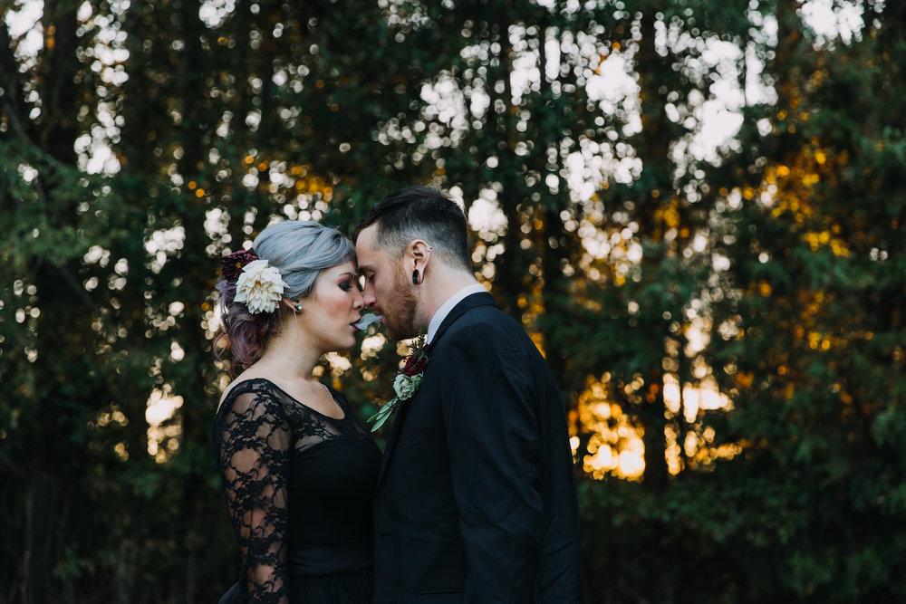 Georgia-Couples-Haunted-Halloween-Wedding-25.jpg