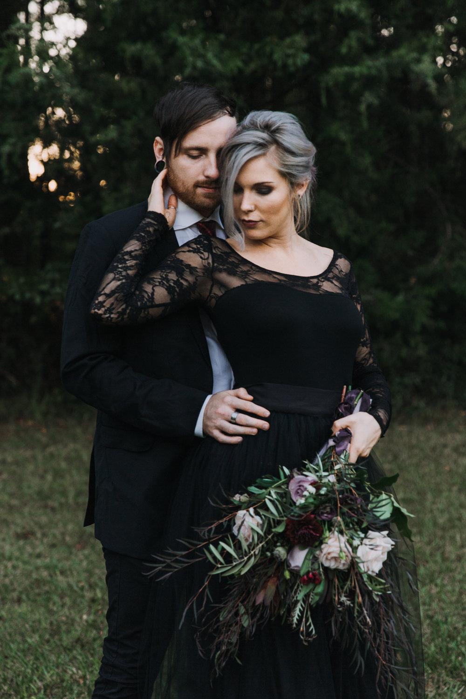 Georgia-Couples-Haunted-Halloween-Wedding-28.jpg