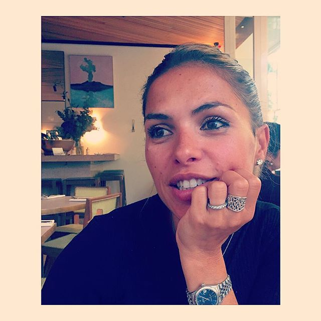 Stefania at the @grangerandco in #nottinghill #caffe #claudiajaffejewelry #naturalelegance #rings #hydracollection #silverjewelry #grangerandco #talentovenezolano #lovemyring #favoritejewelry