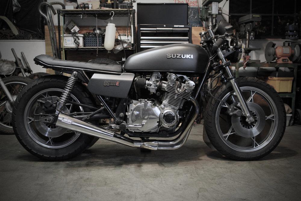 1979+Suzuki+GS1000E+-+Brat+Style+Cafe+Racer.jpg
