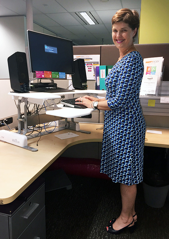 Anna-Louise at her Varidesk