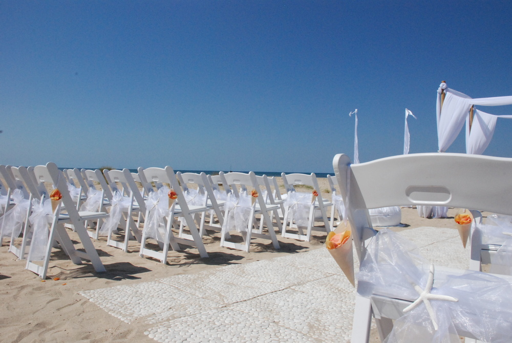 Pebble Matting, Gladiator Chairs & White Sashes with Starfish